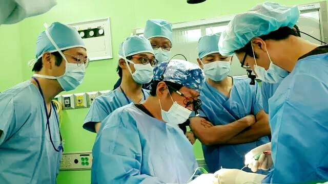 Dr. Jae Hoon Kim  【Invited Lecturer & Performed Live Surgery…